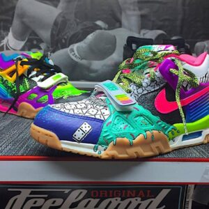 """Air Max Trainer – """"What the 90s!?"""" Custom"""